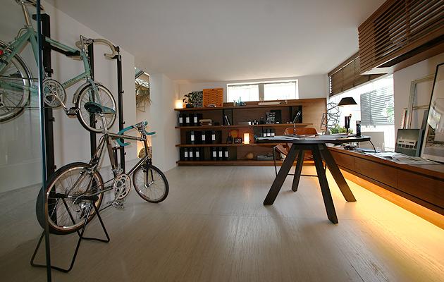 ホームオフィスガレージの写真